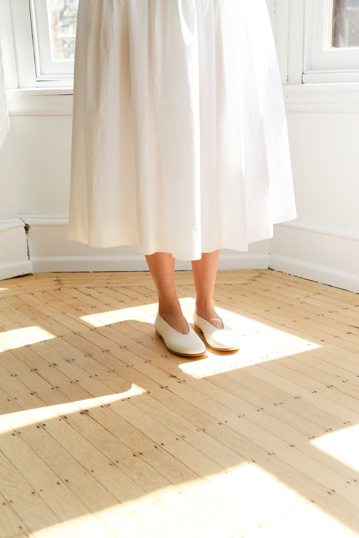 Arts & Science Ballet Flat in Ivory