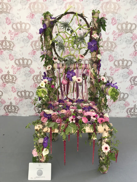 Amazing floral throne Chelsea Flower Show