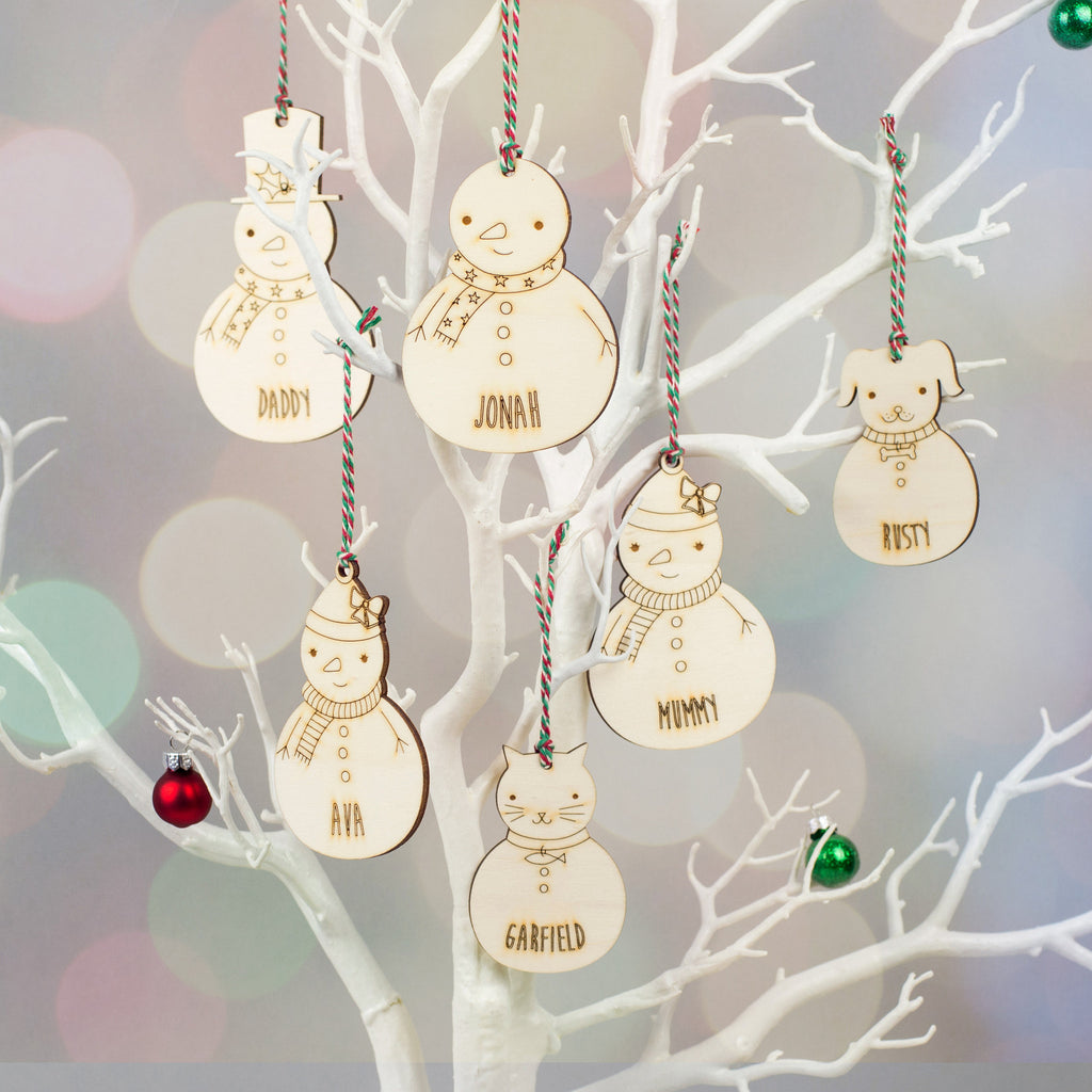 wooden snowman family personalised christmas decorations snowman family christmas decorations