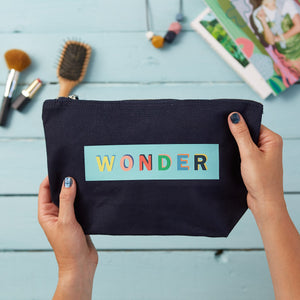 WONDER make up pouch