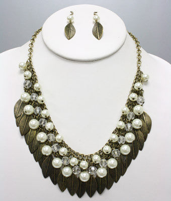 Leaf Pearl Necklace Set