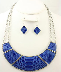 Cami Necklace Set