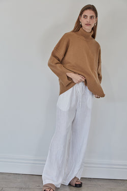 The Cashmere Lounge Sweater | Caramel