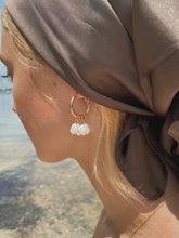 Load image into Gallery viewer, Estelle Drop Pearl Earrings