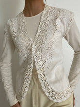 Load image into Gallery viewer, Antique Pearl Button Linen Front Vest