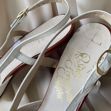 Load image into Gallery viewer, Vintage Salvatore Ferragamo Heels