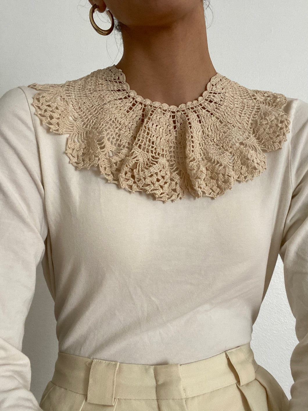 Antique Hand Crocheted Detachable Peter Pan Collar