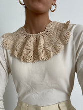Load image into Gallery viewer, Antique Hand Crocheted Detachable Peter Pan Collar