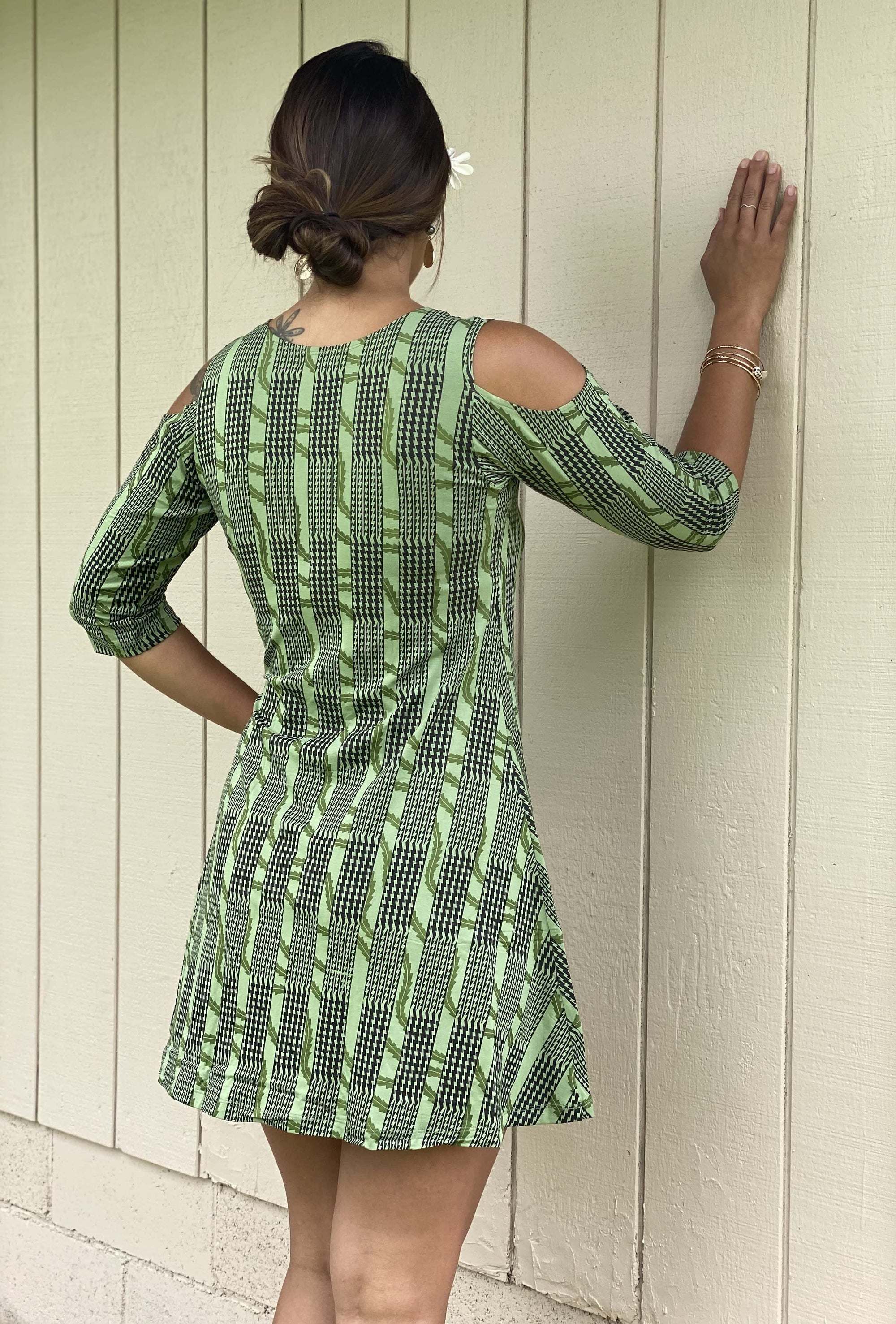 Lalamilo Dress: Navy Green