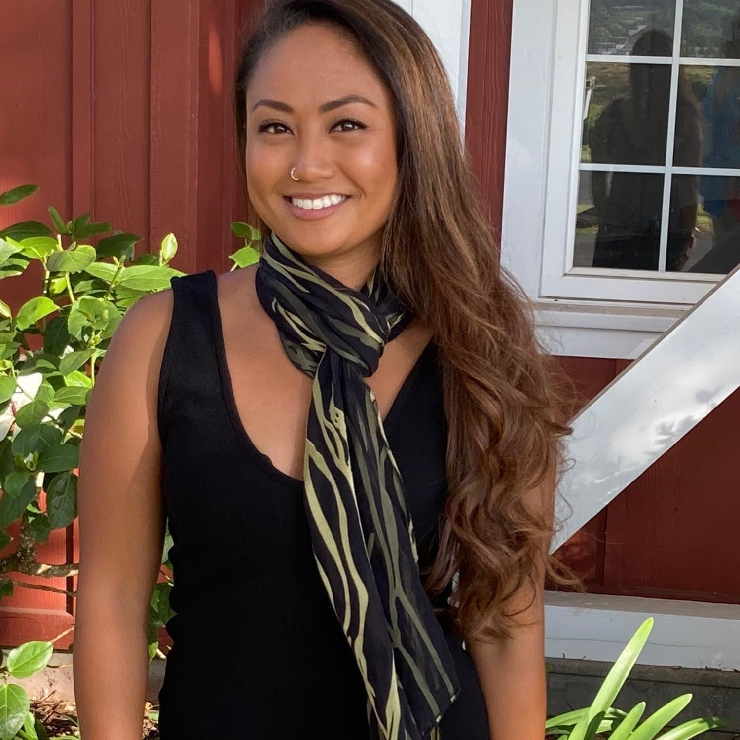 Limu Silk and Rayon Scarf in Black and Gold