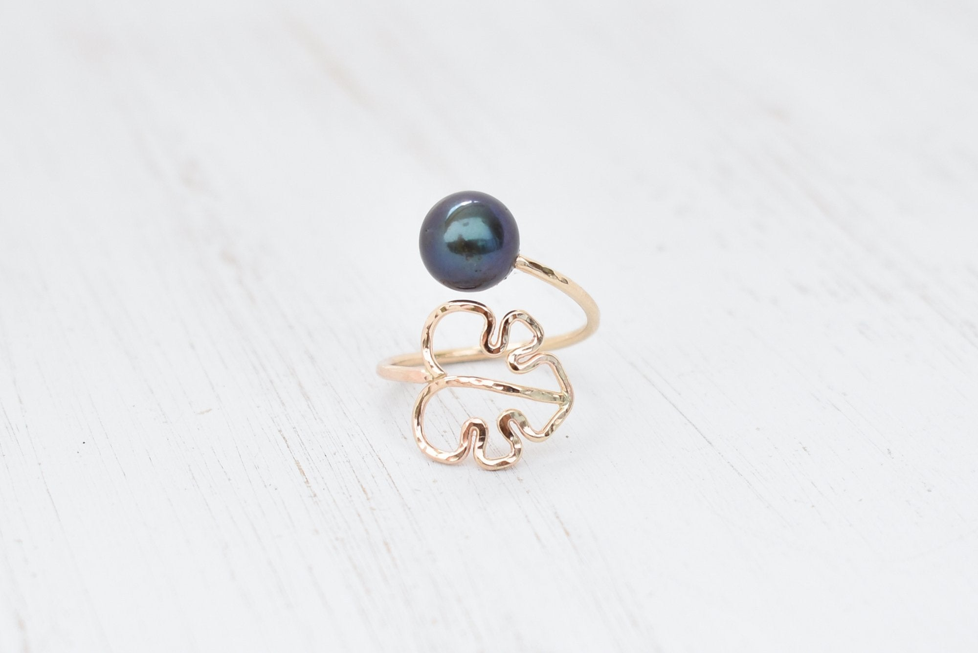 Monstera Pearl Bypass Ring - Gold