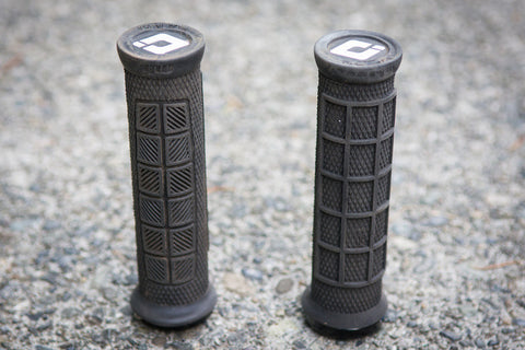 Our Five Favorite Lock On Grips