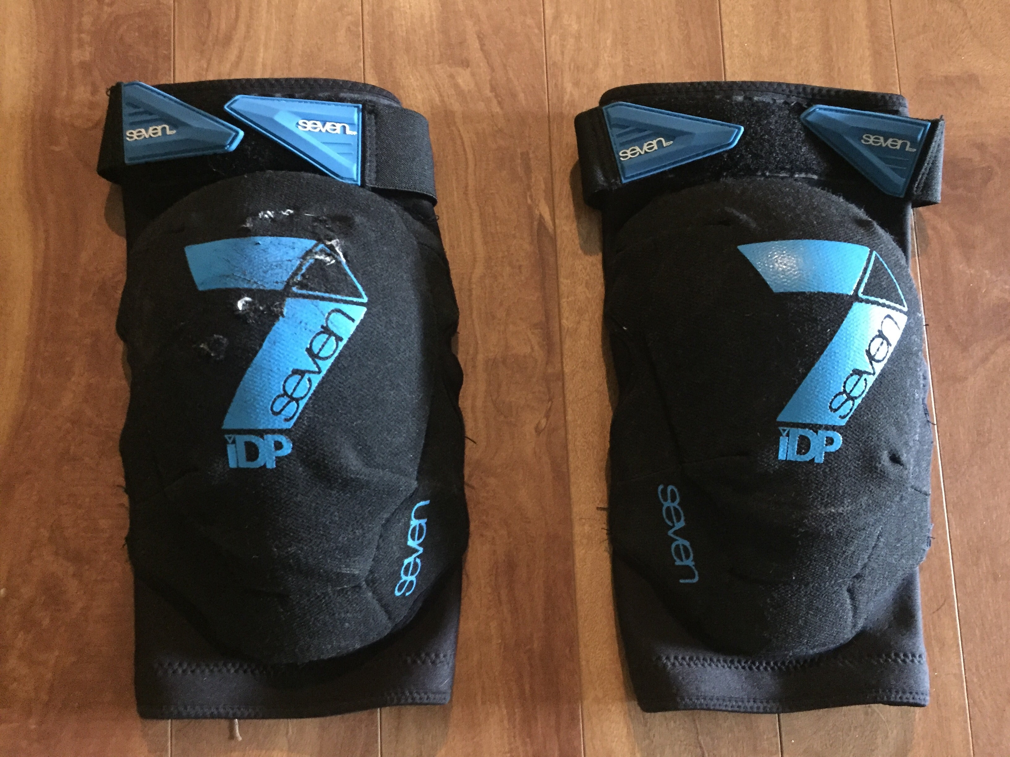 7 Protection Flex Knee Pads Review - Worldwide Cyclery