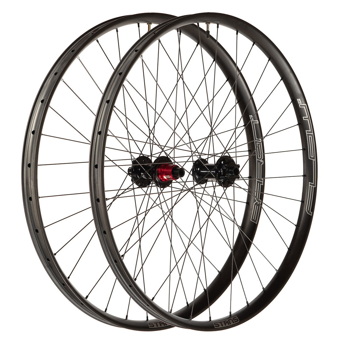 Stans NoTubes Carbon Flow and Baron wheelset