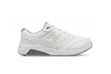 Load image into Gallery viewer, Women's New Balance 928v3