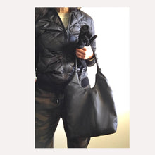 Load image into Gallery viewer, braided straps make this mid size hobo extra special!