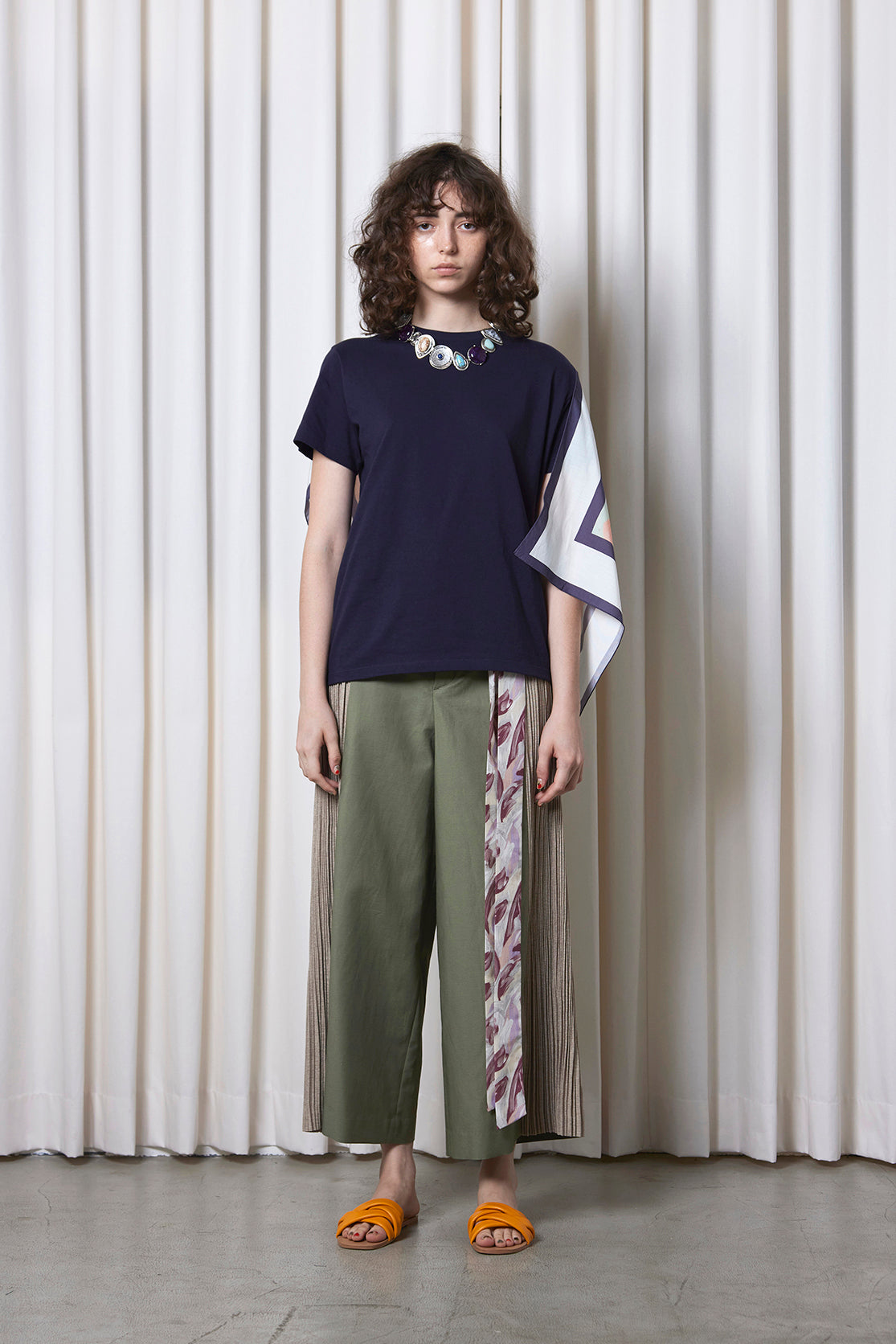 Pleated Wide Pants OLIVE