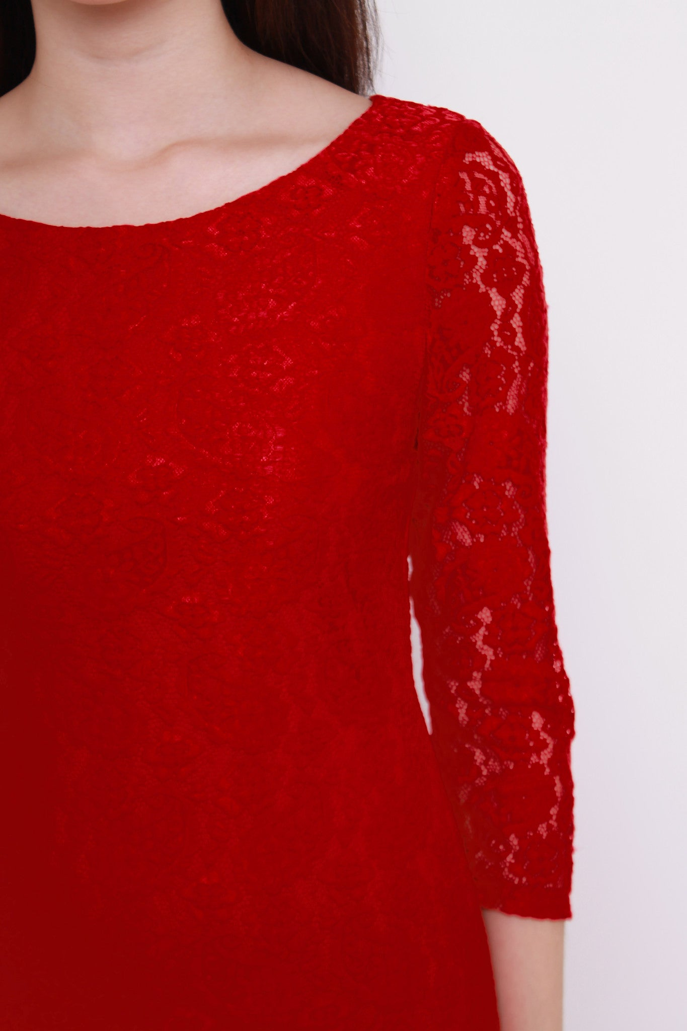 *NASSA* Taylor Lace Dress in Red