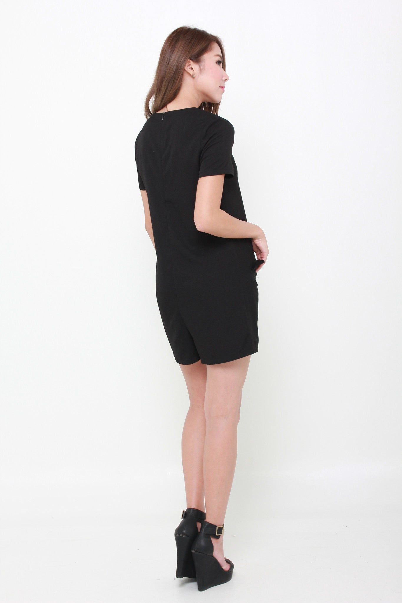 Mel Emboss Pocket Romper in Black