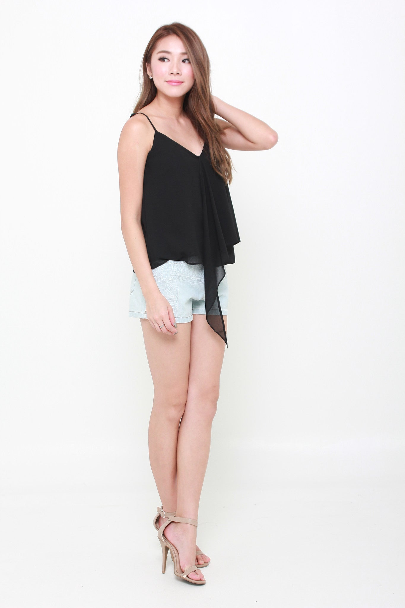 Tae Embroidery Shorts in Light Denim Blue