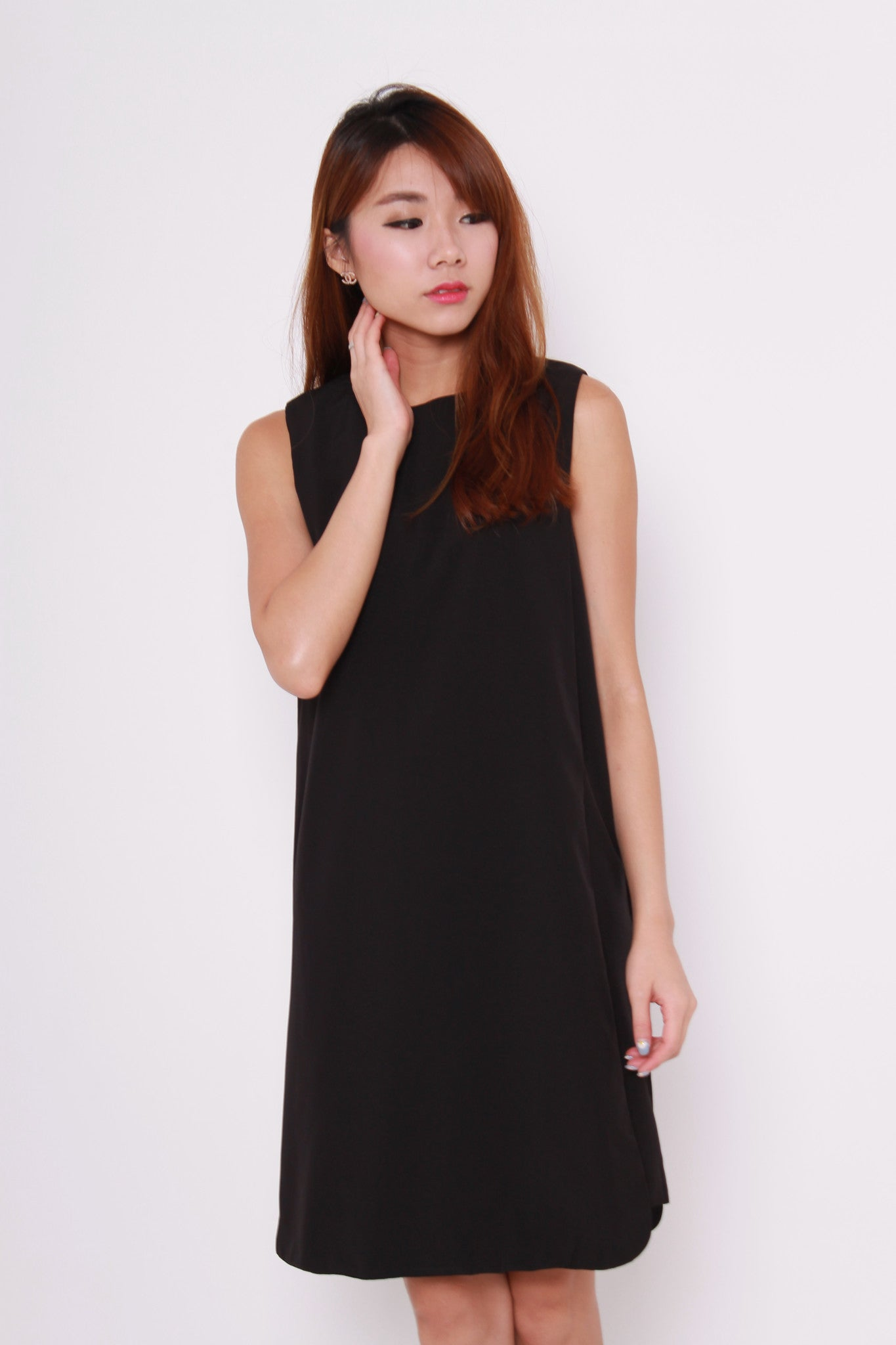 Celeste Layer Curve Hem Dress in Black