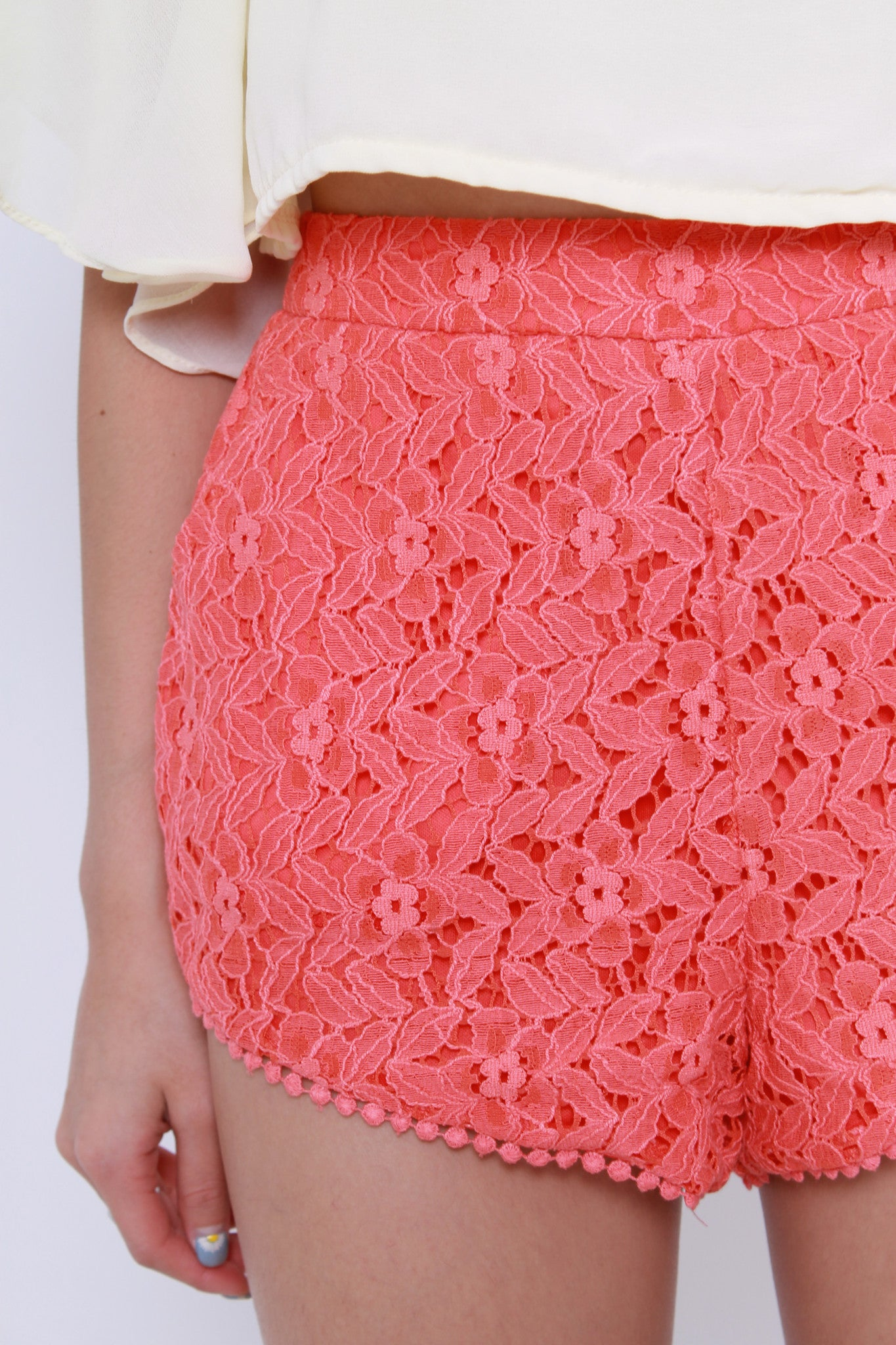 Iris Lace Shorts in Red