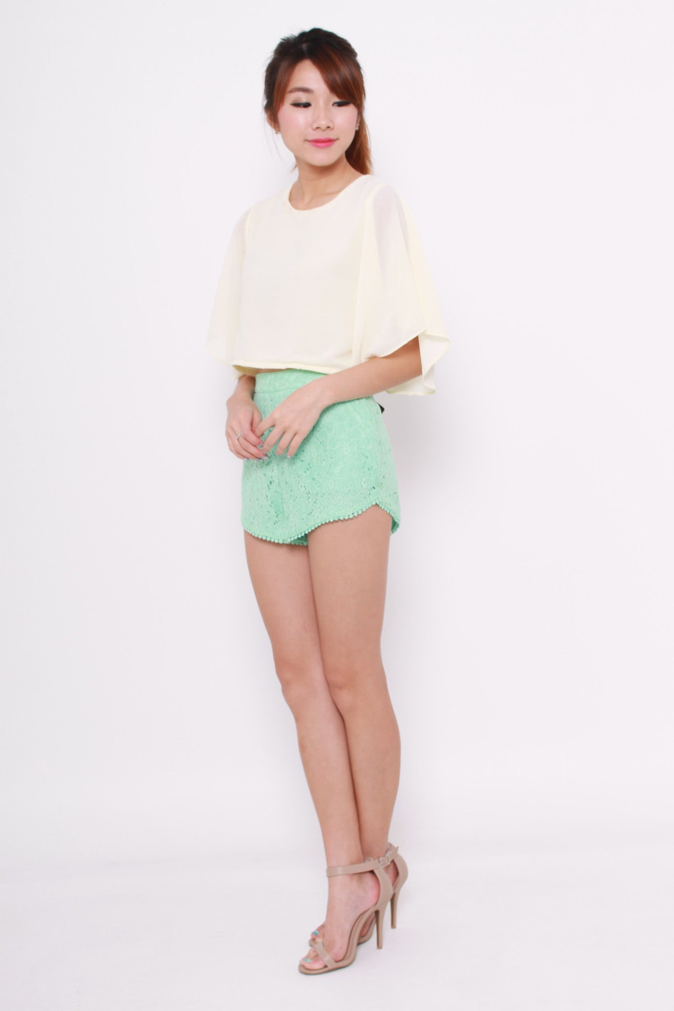Iris Lace Shorts in Green