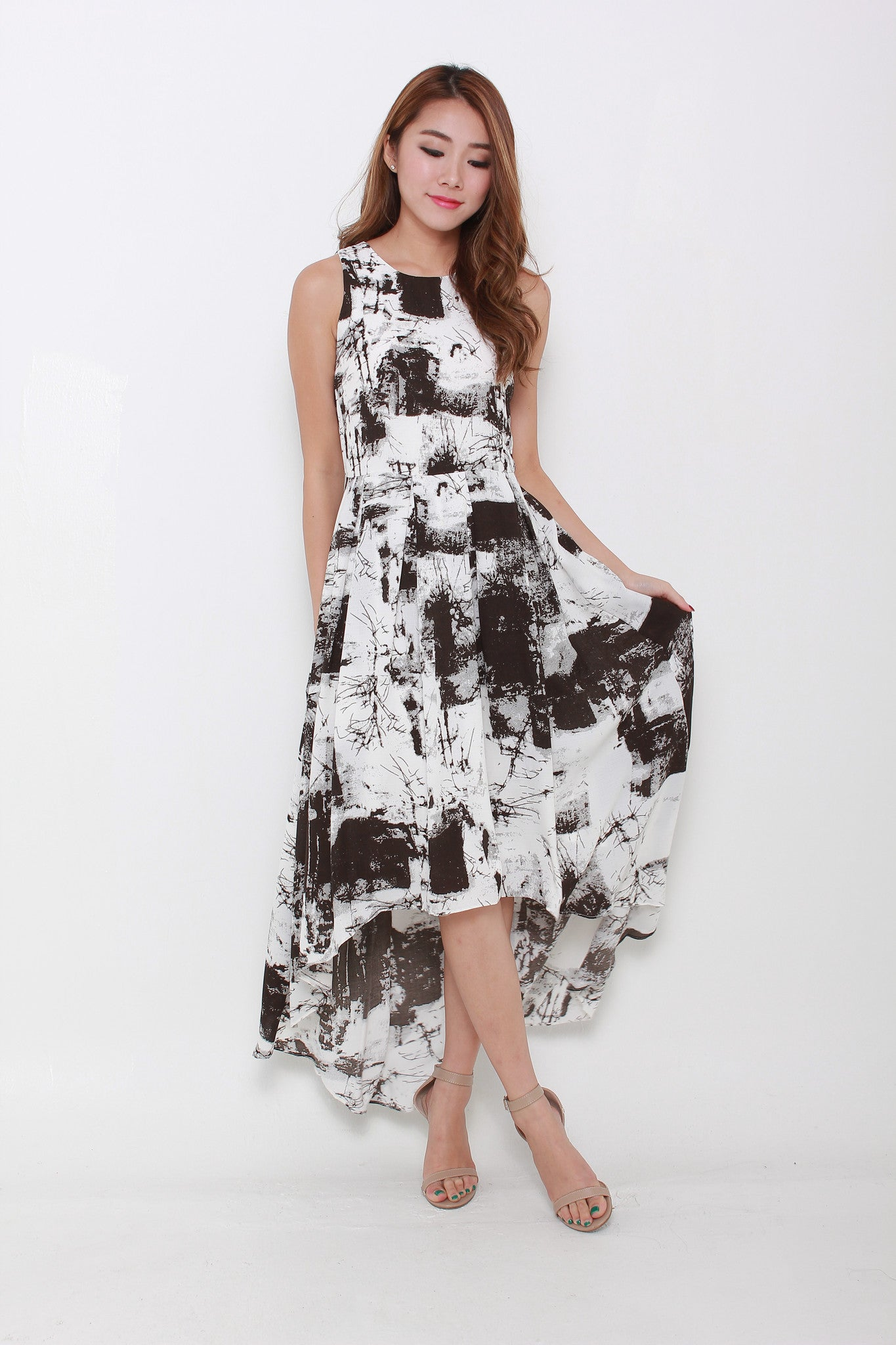 Teri Mono Abstract Train Dress in Black