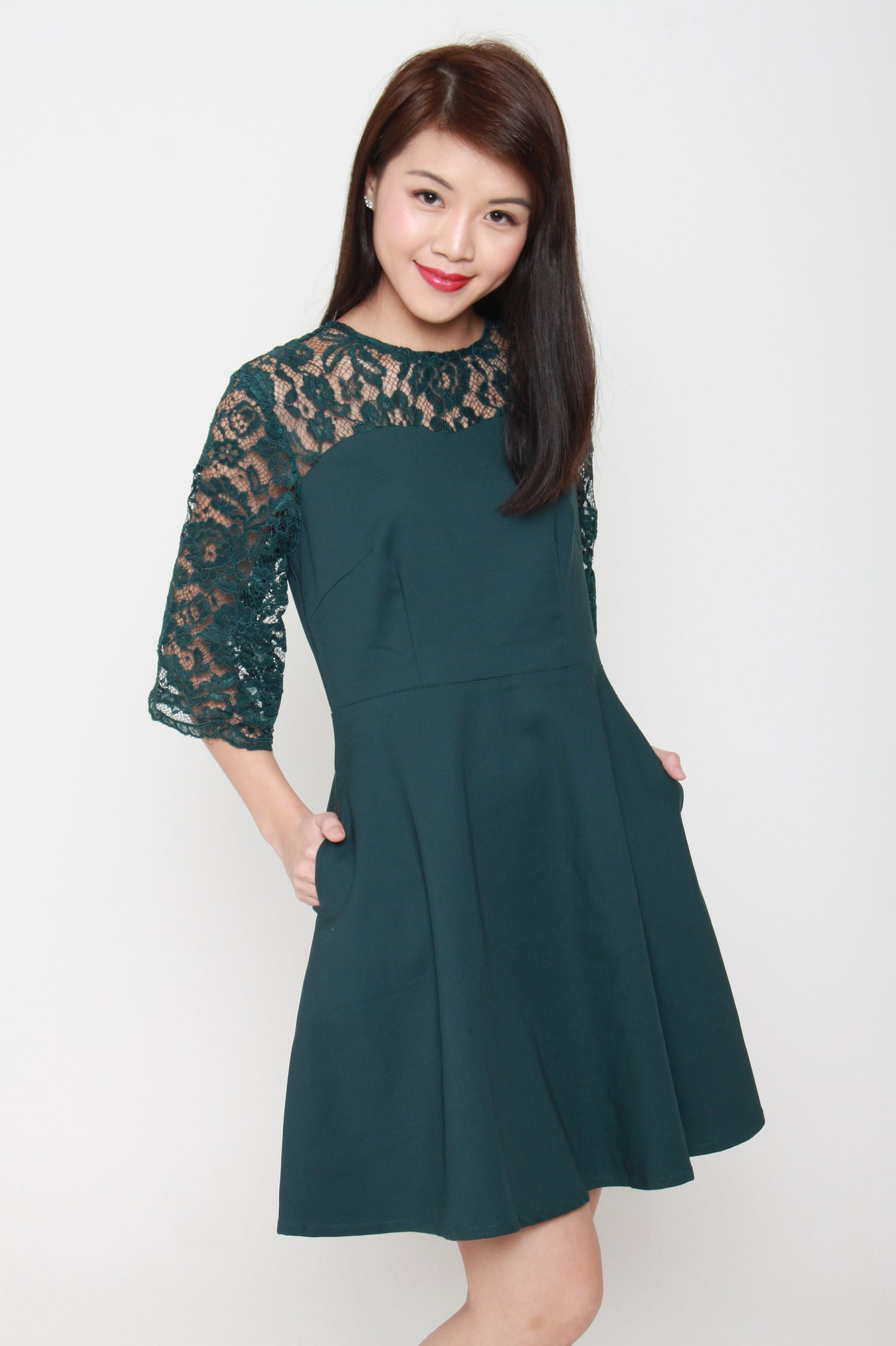 Everlyn Flare Belle Sleeve Lace Dress in Forest Green