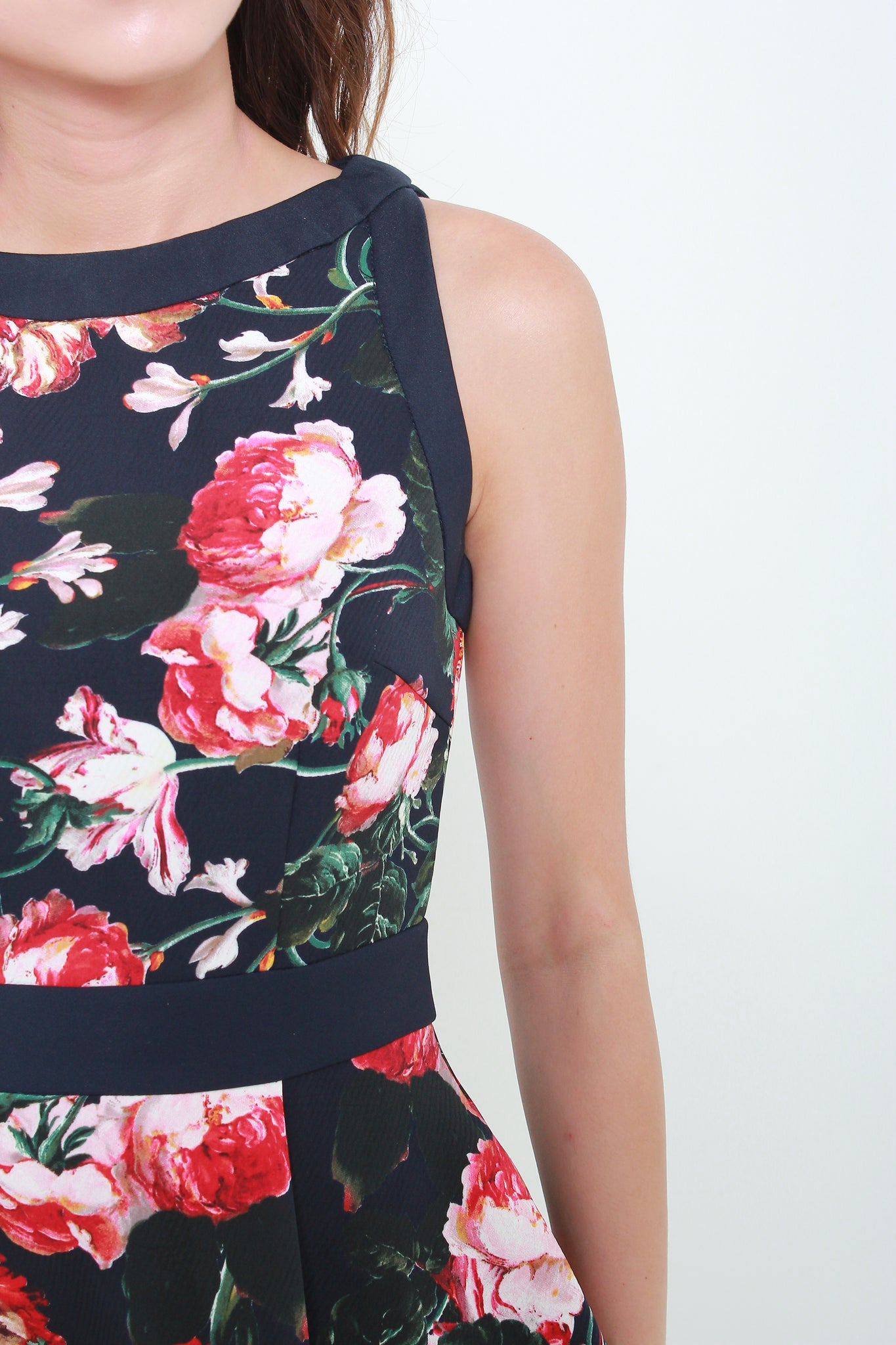 Peonies Print Contrast Dress in Navy