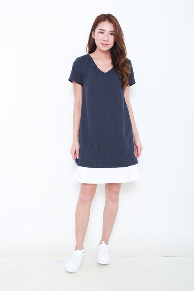 Yuna Pleated Hem Dress in Navy