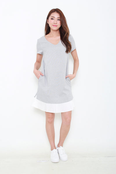 Yuna Pleated Hem Dress in Light Grey