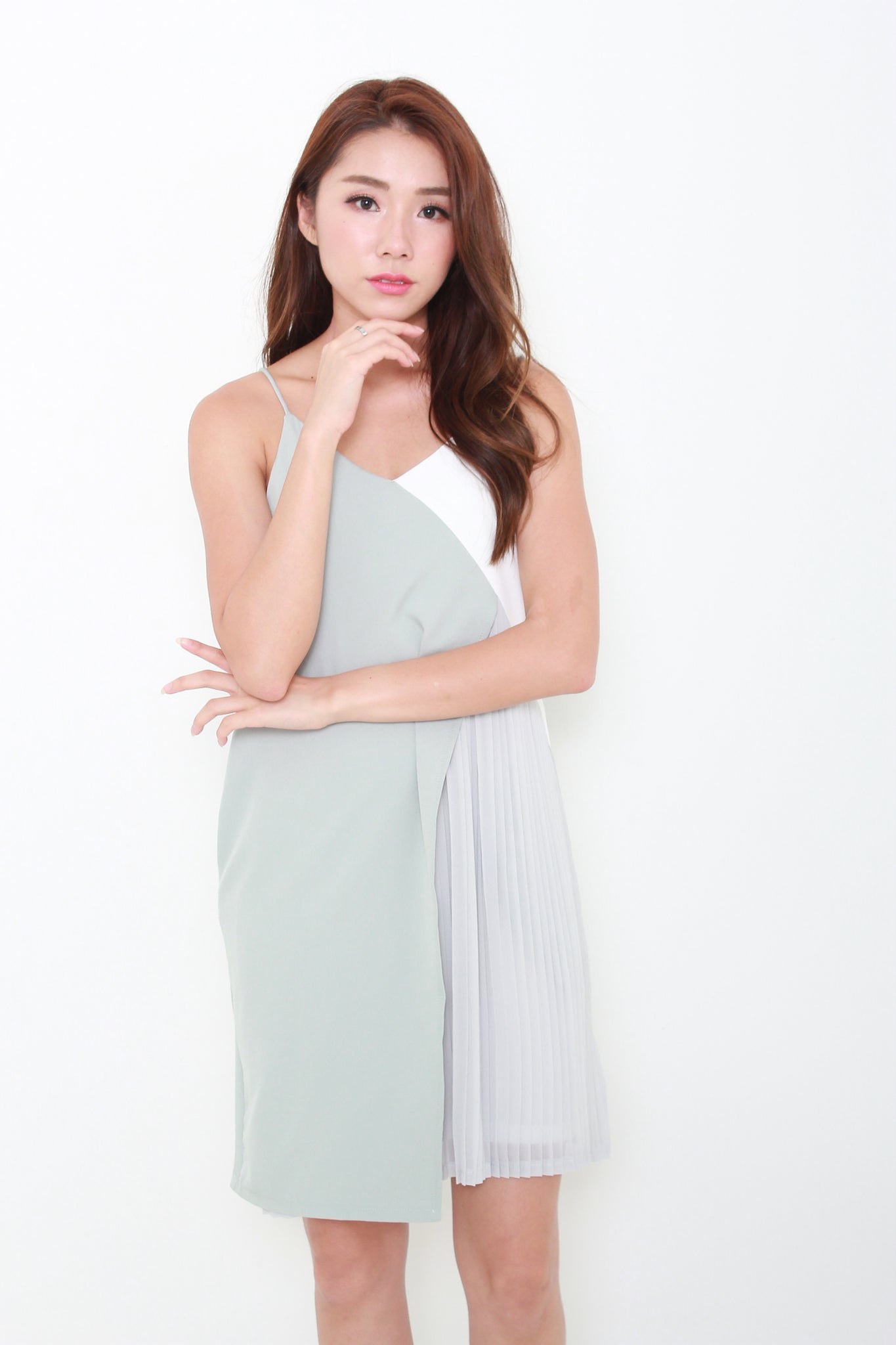 Alice Colour Block Pleat Layer Slip Dress in Green