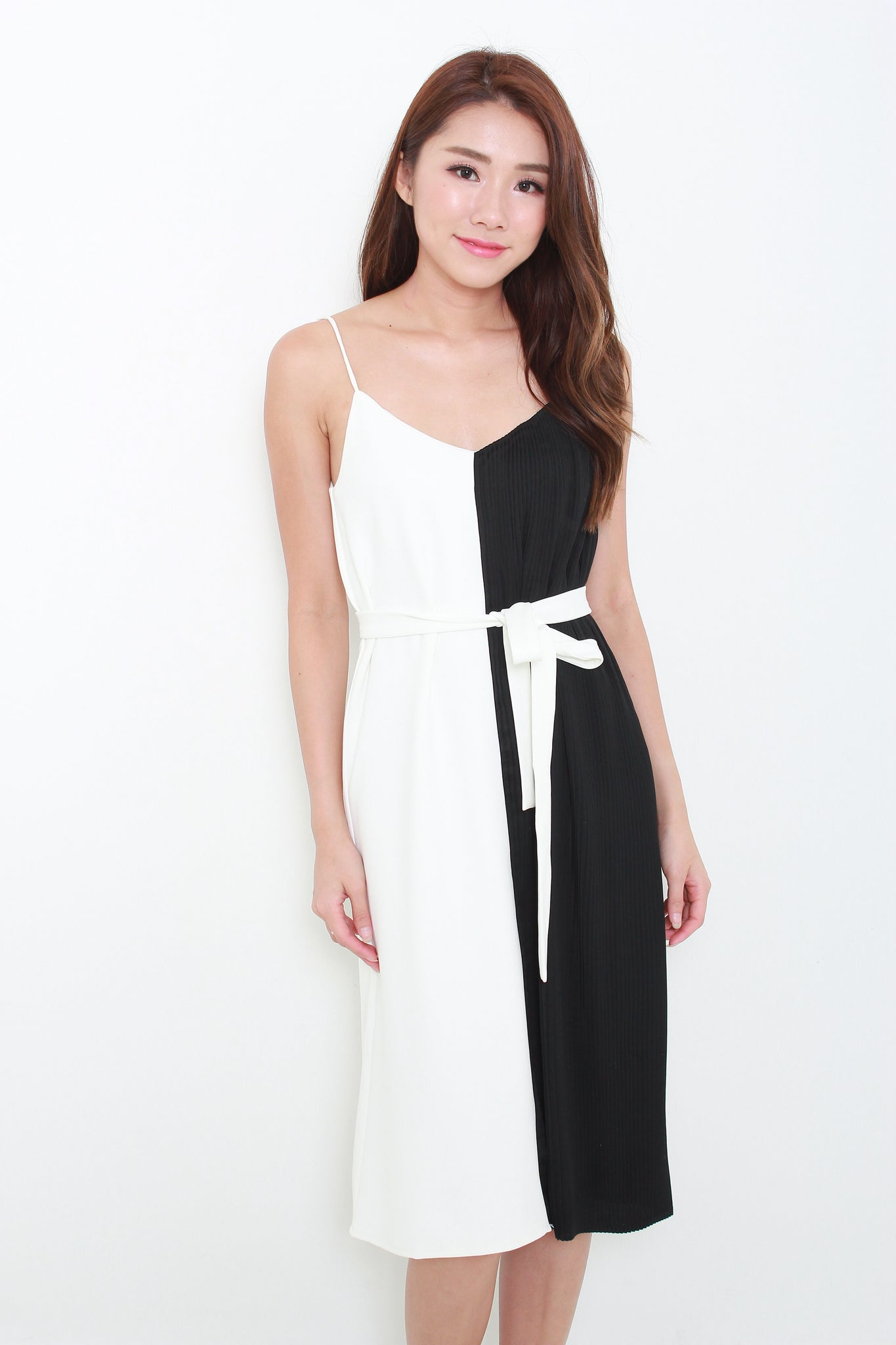 Olivia Colour Block Pleat Slip Dress in Black