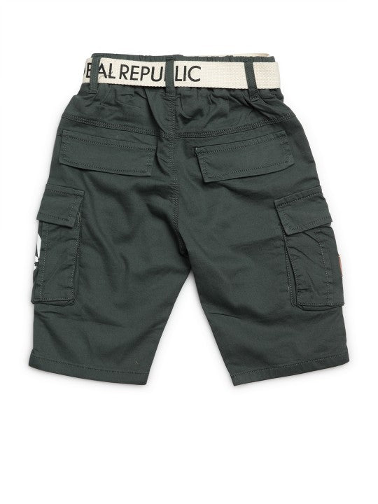 Kids Green Solid Relaxed Fit Cargo Shorts