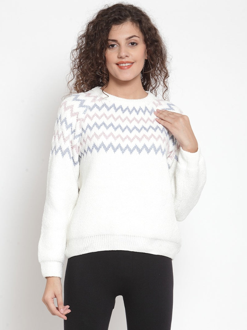 Women Black & White Printed Pullover Sweater