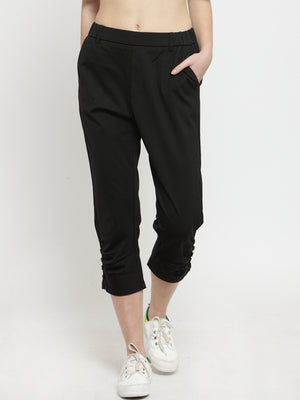 Women Black Solid Relaxed Fit Capri