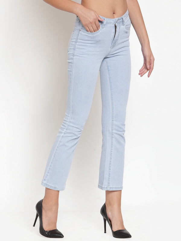 Women Light Blue Denim Relaxed Fitted Capri