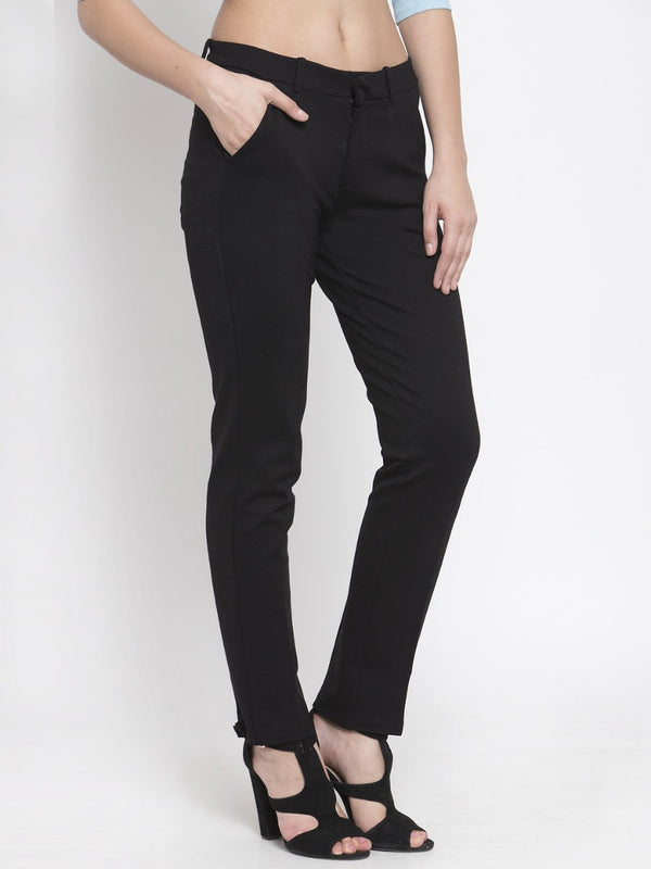 Women Solid Black Tapered-Fit Trouser
