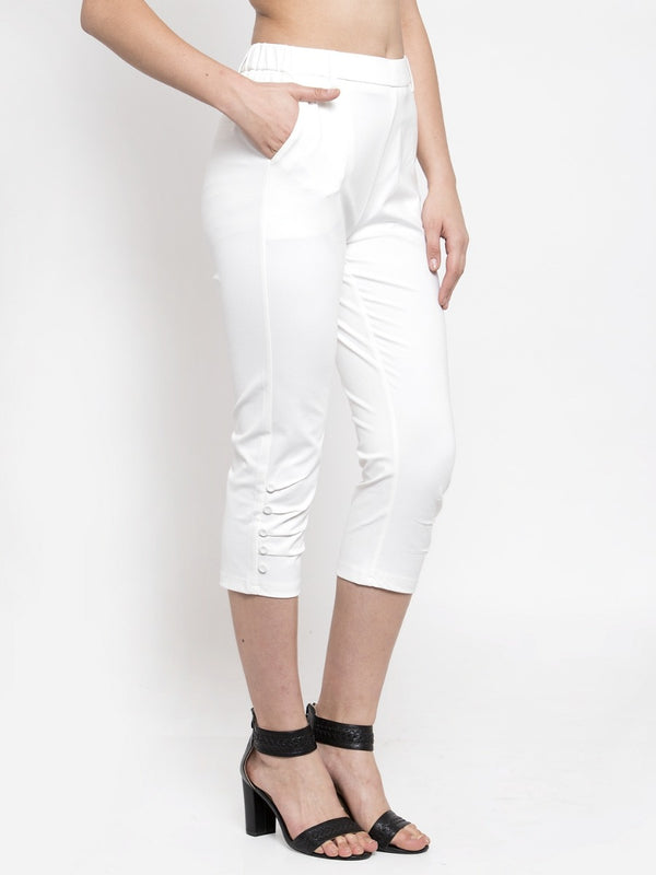 Women Tapered Fitted Solid White Capri