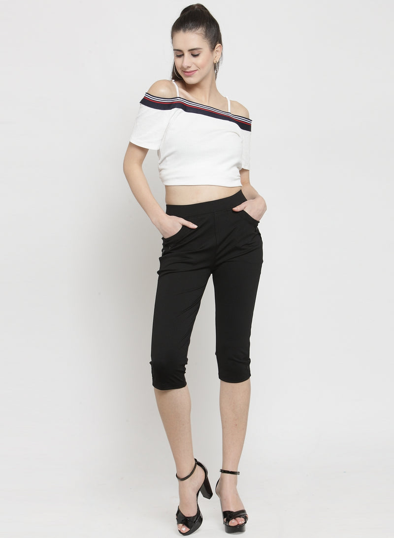 Women Skinny Fitted Black Solid Capri