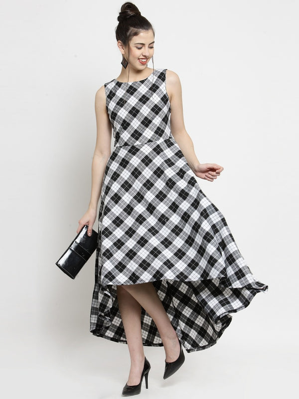 Women Checked White Round Neck Dress