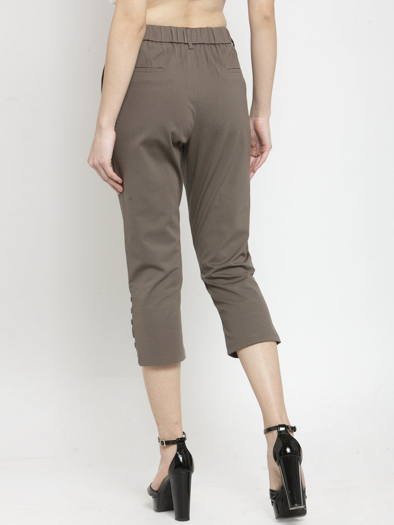Women Skinny Fitted Brown Solid Capri