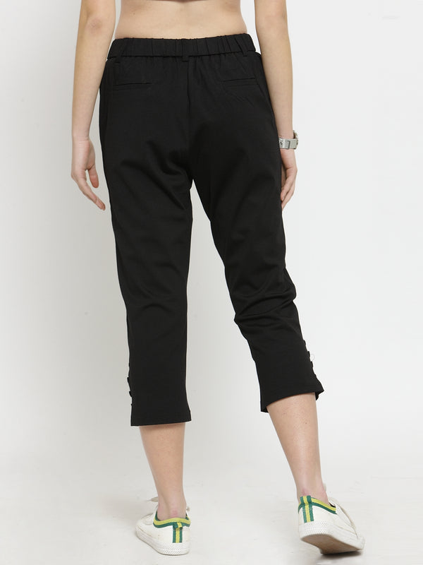Women Tapered Fitted Solid Black Capri