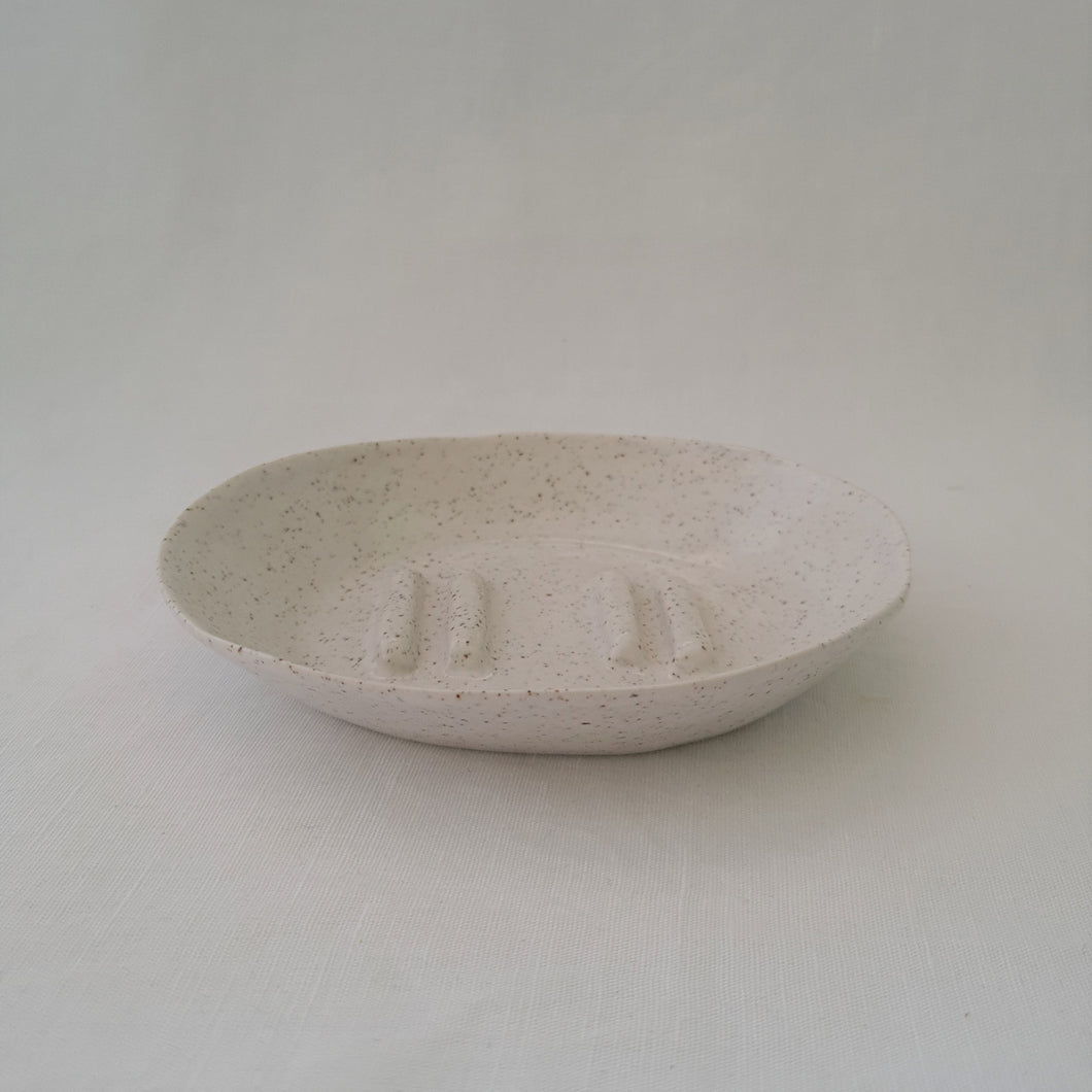 speckled stoneware | solid base + high sides | soap dish