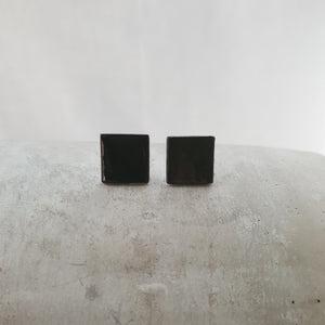 jet black porcelain | square | small studs