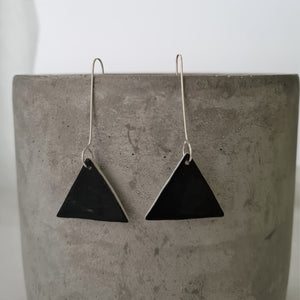 jet black | triangle | long drops | earrings