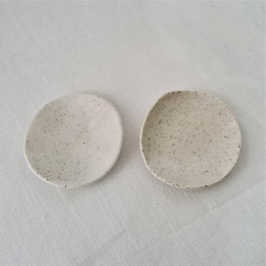 speckled clay with salt white glaze | jewellery dish (small)