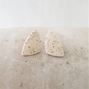 speckled clay | small asymmetrical triangle | studs