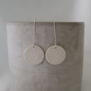 speckled clay | salt white glaze | circle | earrings